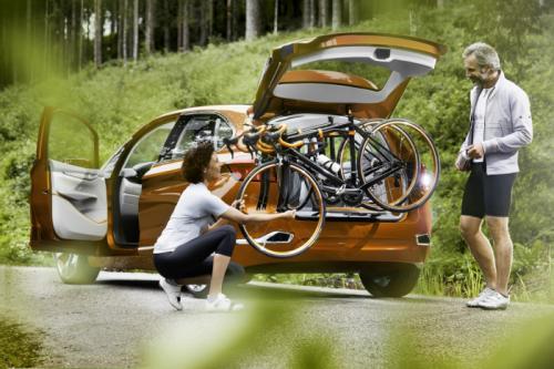 BMW Concept Active Tourer: Đẹp nhưng không sản xuất - 12