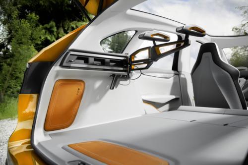 BMW Concept Active Tourer: Đẹp nhưng không sản xuất - 13
