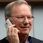 """Dế sắp ra lò - """"Sếp"""" Google lộ điện thoại Motorola Moto X"""