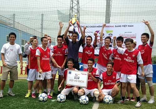 Fan Việt làm nóng không khí đón Arsenal - 2
