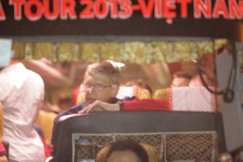 NÓNG: Arsenal đã có mặt tại Việt Nam - 5