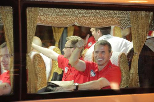 NÓNG: Arsenal đã có mặt tại Việt Nam - 6