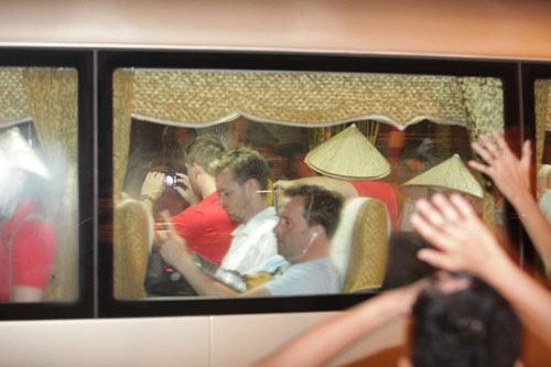 NÓNG: Arsenal đã có mặt tại Việt Nam - 7