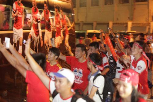 NÓNG: Arsenal đã có mặt tại Việt Nam - 4