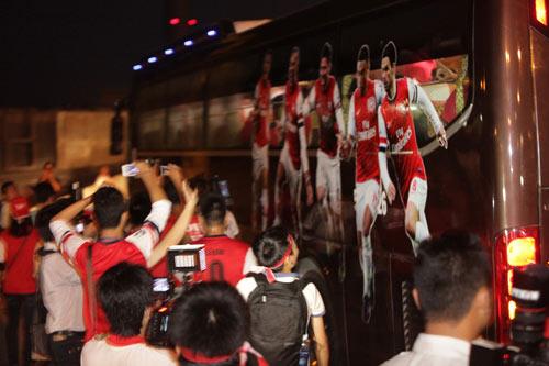 CLB Arsenal muốn thăm Lăng Bác - 1