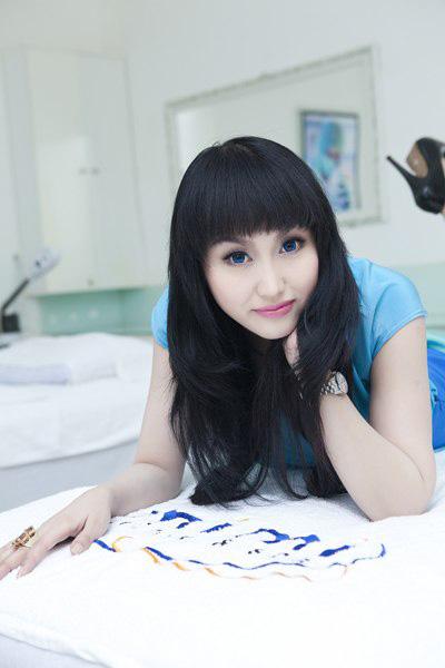 Phi Thanh Vân tiết lộ về da trắng, mặt chữ V - 1