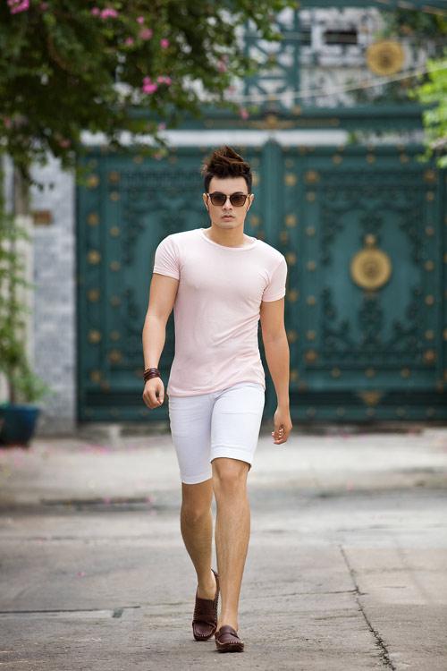 Phối màu với chiếc quần shorts trắng - 6
