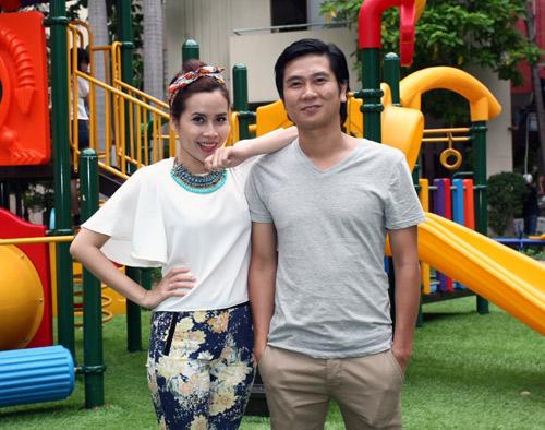 Vợ chồng Hồ Hoài Anh quậy cùng trò nhí - 1