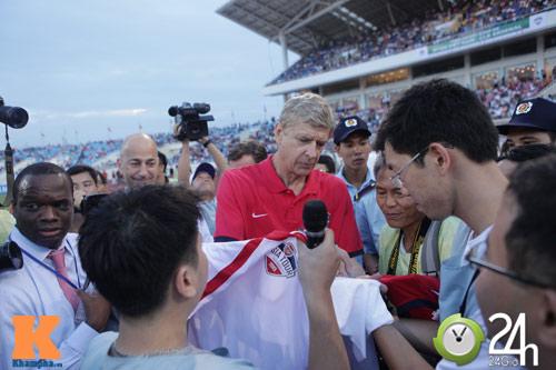 """""""1001"""" cảm xúc của HLV Wenger ở Hà Nội - 6"""