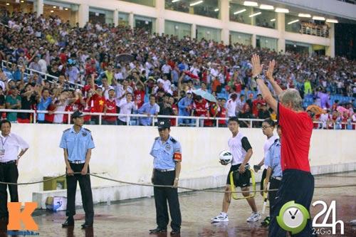 """""""1001"""" cảm xúc của HLV Wenger ở Hà Nội - 15"""