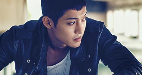 Kim Hyun Joong xé áo trong MV 6 tỷ - 12