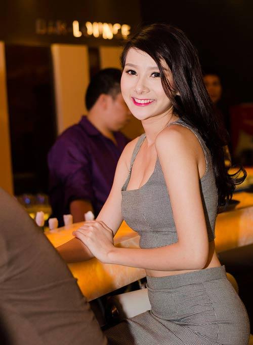 Nguyễn Thị Loan ngày càng đẹp mặn mà - 11
