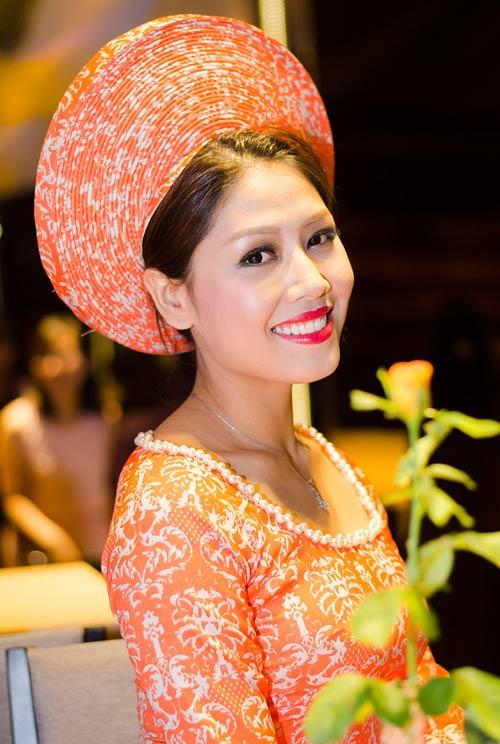 Nguyễn Thị Loan ngày càng đẹp mặn mà - 2