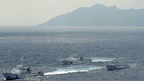 TT Nhật ra đảo gặp cảnh sát biển canh Senkaku - 2