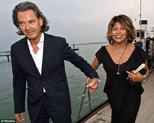 Pitt sẽ cưới Angelina trên thuyền 10 tỉ - 5