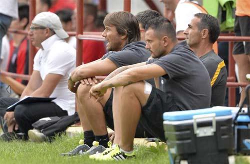 Juventus - Val D`Aosta: Tevez nổ súng - 8