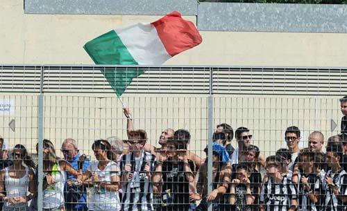 Juventus - Val D`Aosta: Tevez nổ súng - 9