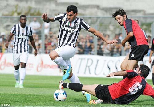 Juventus - Val D`Aosta: Tevez nổ súng - 3