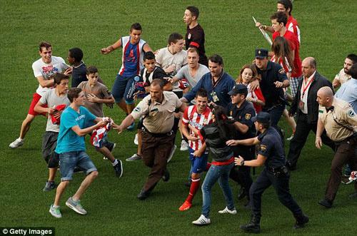 """""""KPop là gì mà so với bóng đá"""", Ca nhạc - MTV, fan cuong kpop, running man, ca si, ca nhac, ngoi sao, bao ngoi sao, giai tri, showbiz, bao, vn"""