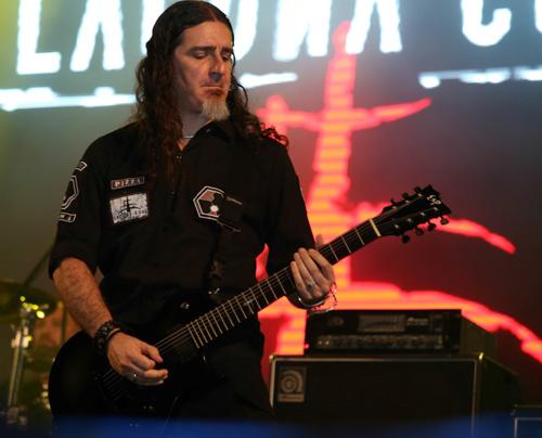 Đêm rock cuồng nhiệt cùng Lacuna Coil, Ca nhạc - MTV, rock viet, Battle of the Bands, Lacuna Coil, nhom nhac nuoc y, cuoc chien ban nhac rock viet, cuoc thi nhac rock, nhom nhac rock, parasite, am nhac, ca nhac