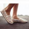 Khoe chân xinh cuối hè bằng giày lưới