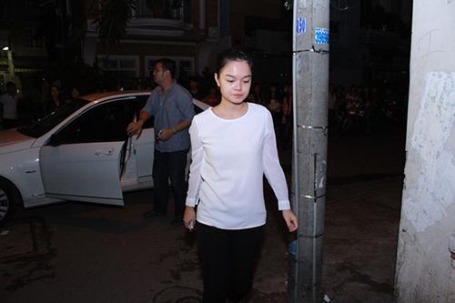 Sao Việt viếng Wanbi trong đêm - 7