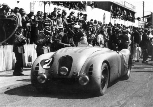 "Bugatti Legend ""Jean-Pierre Wimille"": Vinh danh huyền thoại - 10"