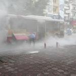 Tin tức trong ngày - Xe buýt cháy ngùn ngụt trên phố Hà Nội