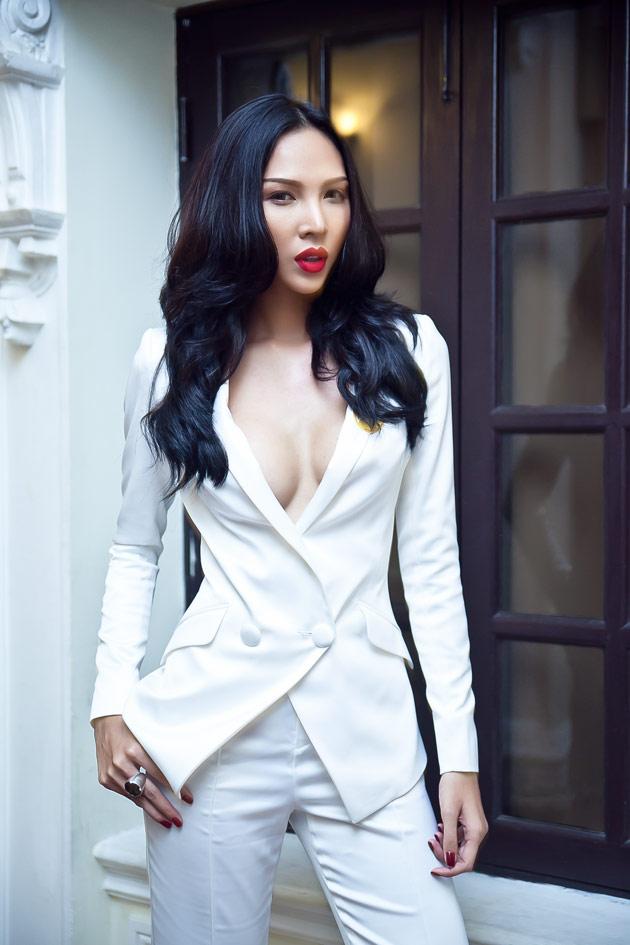 Minh Triệu táo bạo với áo vest - 1