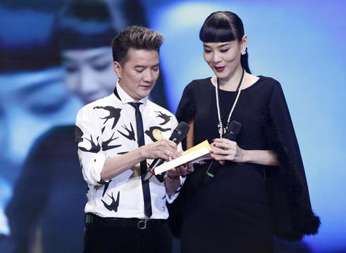 Thu Minh hạnh phúc hôn chồng - 11