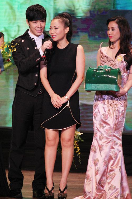 Thu Minh hạnh phúc hôn chồng - 6