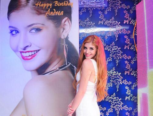 Andrea xinh tươi đón sinh nhật tuổi 18 - 4