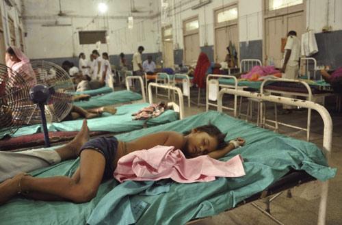Ấn Độ bắt hiệu trưởng bị cáo buộc đầu độc HS - 1