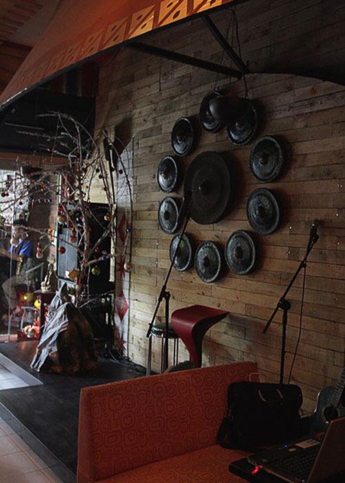 Ngắm lại quán cafe cũ của Siu Black - 2