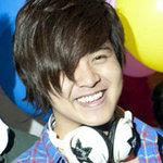 Ca nhạc - MTV - Wanbi muốn được rải tro trên sông Sài Gòn