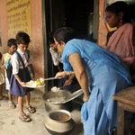 Tin tức trong ngày - Ấn Độ bắt hiệu trưởng bị cáo buộc đầu độc HS