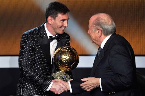 """Ronaldo & """"thời cơ vàng"""" lật đổ Messi - 1"""