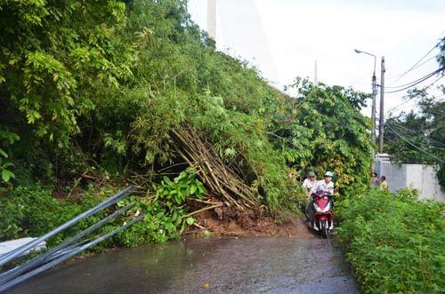 Mưa lớn gây sạt lở, ngập lụt tại TP Hạ Long - 3