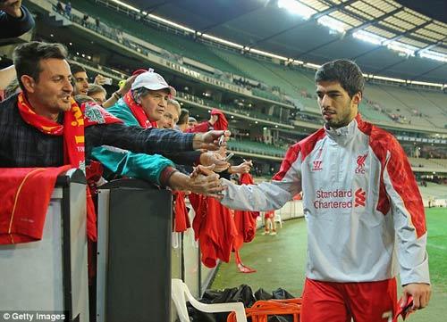 Đòi ra đi, Suarez dọa kiện Liverpool - 1