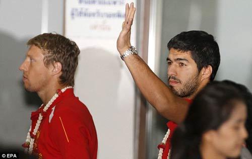 Đòi ra đi, Suarez dọa kiện Liverpool - 2