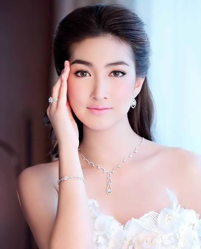 Từ đó, cô xuất hiện với tần suất dày đặc trên truyền hình,  tạp chí và các chương trình quảng cáo sản phẩm.