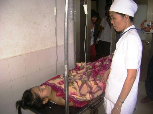 Xe Cảnh sát 113 tông 2 sinh viên nhập viện - 2