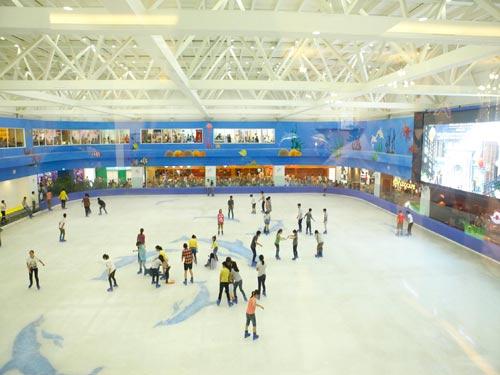 HN có sân trượt băng lớn nhất Việt Nam - 1