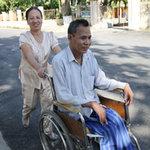 Tin tức trong ngày - Nghị lực sống của người lính ngồi trên xe lăn