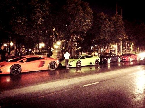 Dàn siêu xe khủng tại Sài Gòn tụ họp - 1