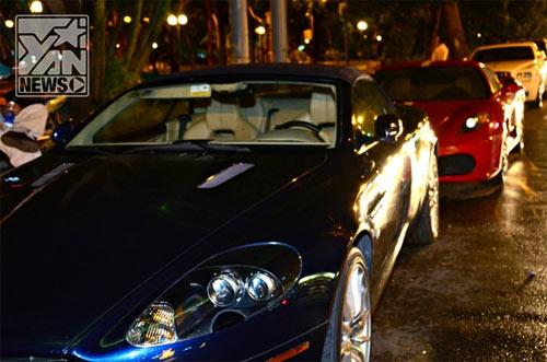 Dàn siêu xe khủng tại Sài Gòn tụ họp - 3