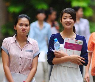 Có trường ĐH tăng 7 điểm chuẩn dự kiến - 1