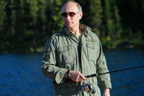 Chùm ảnh: Putin đi nghỉ hè cùng Medvedev - 11