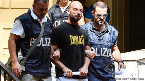 Ý tung quân mở chiến dịch truy quét mafia - 2