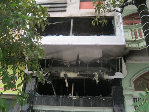 Cháy tiệm vàng: Nhà không cửa thoát hiểm - 3
